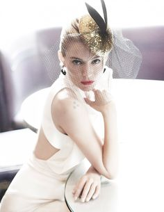 Sienna Miller Delivers All-Star Glamour In Mario Testino Images For Vogue UK October 2015 - News for Women, Fashion & Style, Women's Rights - Women's Fashion & Lifestyle News From Anne of Carversville Mario Testino, Vogue Uk, Vogue Korea, Style Sienna Miller, She's A Lady, Vogue Covers, Fancy, Vintage Glamour, Madame