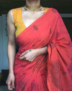 Cotton Saree Blouse Designs, Silk Cotton Sarees, Fancy Blouse Designs, Cotton Fabric, Saree Wearing Styles, Saree Styles, Trendy Sarees, Stylish Sarees, Traditional Blouse Designs
