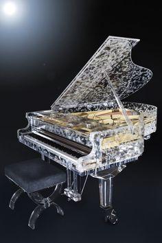 装飾アクリルパネル「Vento」施工事例/グランドピアノ製作