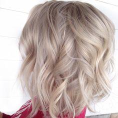 @hairby_Jen hairby_jen❄️I C Y❄️ hairby_jen. . . . . . #beautycoach #beautycoachtour #shorthair #texturedhair #shorthairdontcare #behindthechair #modernsalon #americansalon #phillybesthair #philadelphia #avantesalonandspa #avantegirl #livedinhair #messyhair #beachyhair #haircut #haircolor #balayage #lobhaircut #longbob #blonde #icyhair #olaplex #babylights #foilage #whitehair
