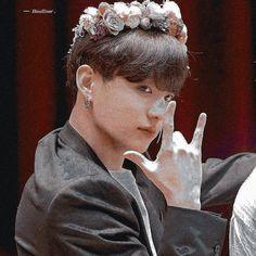 Jikook, Hoseok, Seokjin, Hot Korean Guys, Bts And Exo, Korean Bands, Tumblr Photography, Jeon Jeongguk, Googie