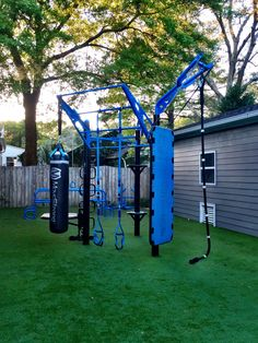 MoveStrong T-Rex outdoor functional training station. 4-post zig-zag design ideal for smaller spaces and backyards
