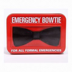 Noeud papillon d'urgence / Emergency bow tie  @ www.urbanoutfitters.fr