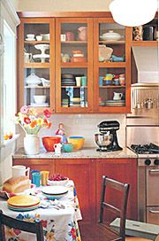 Image from http://www.home-decorating-room-by-room.com/images/vintage_kitchen.jpg.