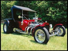 Ride out of Indianapolis in this 1923 Ford T-Bucket    #MecumINDY