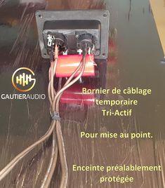 Avant la mise au point des enceintes lors d'une préparation Gautier Audio, nous procédons au câblage en tri-actif ou bi-actif. Il est ainsi bien plus aisé de faire la connection aux 3 amplificateurs et au DSP. Plus aisé aussi de mettre au point le filtre électronique passif à l'extérieur de l'enceinte, puis de le câbler sur PCB et enfin l'installer dans l'enceinte une fois tout au point. Les câbles spécifiques à la mise au point sont équipés en XLR. Gautier, Audio, Tri, Active, Le Point, Ainsi, Headphones, Electronics, Music System