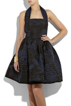 Celebrities who wear, use, or own Oscar De La Renta Silk-Blend Matelasse Dress. Also discover the movies, TV shows, and events associated with Oscar De La Renta Silk-Blend Matelasse Dress. Nice Dresses, Formal Dresses, Halter Maxi Dresses, Profile Photo, Donna Karan, Chiffon, Silk, Celebrities, How To Wear