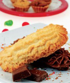 Biskut Ranggup Penyeri Sajian    Tampil lebih berbeza dengan hidangan biskut sebagai pemanis mulut saat berada di meja beradab. Mungkin pelik, namun jika kena gayanya tetamu pasti suka. Jadikan juadah ini sebagai pembuka selera si tetamu kecil. Nikmatilah kerangupan biskut di hari bahagia anda.