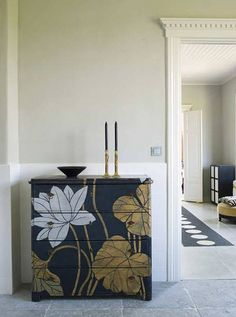 Malm. In the kitchen ...... Possibly with Mac stencils ....... Lotus