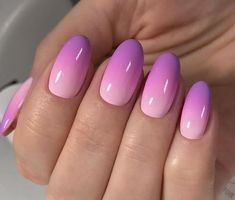 Ombre nails step-by-step tutorial, tips for the perfect ombre nail designs, coral ombre. How long do the ombre nails last, how and where can they be removed, ho Pink Summer Nails, Pink Ombre Nails, Spring Nails, Umbre Nails, Ombre Nail Colors, Summer Nails 2018, Trendy Nails, Cute Nails, Hair And Nails
