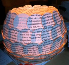 Bücher-Licht Diy Recycle, Recycling, Paper Art, Paper Crafts, Book Worms, Book Art, Art Projects, Arts And Crafts, Culture
