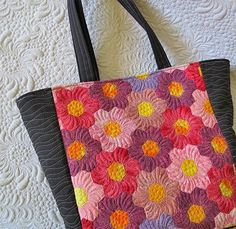 Learn to sew long-lasting quilted bags with professional look.