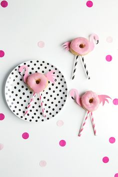 ideas for party snacks kids easy families Kinder Party Snacks, Snacks Für Party, Party Treats, Party Gifts, Flamingo Party, Flamingo Birthday, Birthday Treats, Birthday Parties, Donut Party