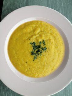 Imprimer cette recette Ca y est, nous sommes en automne. Même s'il fait encore très beau et bon chez nous, j'ai commencé les soupes le soir. C'est très bizarre car mon fils déteste les légumes, mais il adore mes soupes ! Une bonne raison pour commencer à manger des soupes !! Ingrédients pour … Voir la recette →