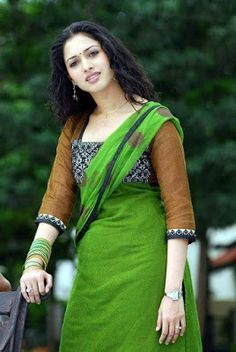Beautiful Bollywood Actress Tamanna Bhatia in Green tight salwar kameez Indian Celebrities, Bollywood Celebrities, Beautiful Celebrities, Beautiful Actresses, Beautiful People, Gorgeous Women, Kareena Kapoor, Ranbir Kapoor, Priyanka Chopra
