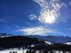 Une dernière  Bonne soirée  #alpedugrandserre #montain #lastday #montagne #instasky #skyporn #thisistheend #skylovers #naturelover #naturelovers #happyholiday #happyfamily #ski#snow #neige#bleu