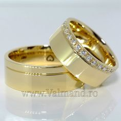 Find out here the latest, unique and beautiful collections of Indian Bridal jewellery, Bridal gold jewellery and artificial Bridal jewellery etc. Engagement Rings Couple, Couple Rings, Engagement Ring Styles, Diamond Rings, Gold Rings, Gold Jewellery Design, Unique Rings, Fashion Rings, Wedding Bands