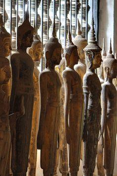 Statues of Buddhas Wat Wisunarat temple - Luang Prabang, Laos Lotus Buddha, Art Buddha, Buddha Buddhism, Luang Prabang, Vientiane, Vietnam, Statues, Temples, Colani