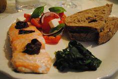 Anne's hyggested: Laks med middelhavs smag.. Meatloaf, Sushi, Ethnic Recipes, Food, Essen, Meals, Yemek, Eten, Sushi Rolls