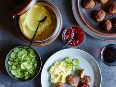 Meatball recipes include juicy slow cooker meatballs in tomato sauce and tender glazed cocktail meatballs. Plus more meatball recipes. Wine Recipes, Beef Recipes, Cooking Recipes, Party Recipes, Yummy Recipes, Best Meatballs, Chicken Meatballs, Sweedish Meatballs, Cocktail Meatballs