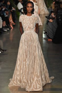 Everything about this Saab show is perfection. Let's all wear this every day to work and everywhere else. Elie Saab - Spring 2015 Couture - Look 13 of 56 Haute Couture Paris, Elie Saab Couture, Spring Couture, Style Couture, Couture Mode, Couture Fashion, Runway Fashion, Paris Fashion, Couture Boutique