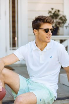 Awesome 23 Inspiring Men's Summer Outfits to Copy from https://www.fashionetter.com/2017/05/26/23-inspiring-mens-summer-outfits-copy/