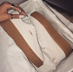 white fenty puma creepers by rihanna ✰insta: Pumas Shoes, Shoes Sneakers, Shoes Heels, Zapatillas Puma Rihanna, Dream Shoes, Crazy Shoes, Rihanna Puma Creepers, Cute Shoes, Me Too Shoes