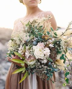 """Once Wed on Instagram: """"Stunning bouquet by @ponderosa_and_thyme for @magnoliarouge. Photo by @tecpetaja #weddingbouquet #weddingideas"""""""