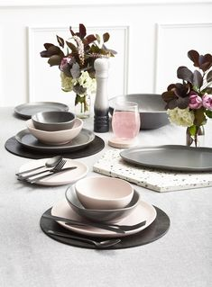 kmart pink dinnerware with black placemats and marble trivet Kmart Home, Black Dinnerware, Kmart Decor, Dining Table Chairs, Dining Room, Pink Marble, Event Styling, House Styles, Dekoration