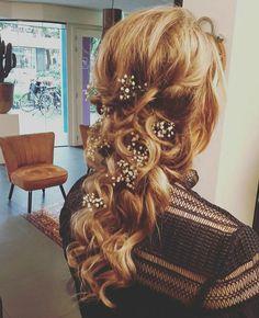 Hair updo half wedding party curls inspiring chique 2017 Im in love♡ bruidskapsel opsteken met gipskruid