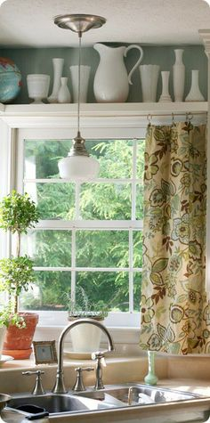 Need to find some material so i can make this today for my newly painted kitchen.  Kitchen+treatment-brown+flower+curtain.jpg 381×768 pixels