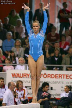 Artistic Gymnastics, Olympic Gymnastics, Gymnastics Girls, Gymnastics Posters, Female Wrestlers, Female Athletes, Katelyn Ohashi, Athletic Events, Gymnastics Pictures