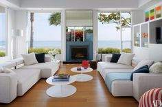 Fall-in-Love-with-These-Luxury-White-Living-Rooms-6 Fall-in-Love-with-These-Luxury-White-Living-Rooms-6