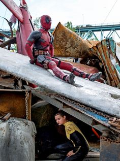 Empire magazine has just released three more still images from its cover story on the much-anticipated Deadpool movie, and they feature Ryan Reynolds' titular antihero, as well as Brianna Hildebrand's Negasonic Teenage Warhead & Gina Carano's Angel Dust. Batman, Superman, Ryan Reynolds, Deadpool 2016, Deadpool Movie, Serie Marvel, Marvel Dc, Black Widow, X Men