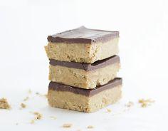 Gram's Peanut Butter Bars via @mmmirnanda