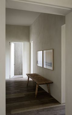 Design Hotel Find: The Apartment by Graanmarkt 13 Antwerp : Melting Butter Home Living, Living Spaces, Living Room, Interior Architecture, Interior And Exterior, Bedroom Minimalist, Plaster Walls, House Entrance, Coastal Decor