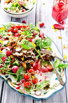 BBQ Chicken Salad Bowl with Raspberry Basil Vinaigrette :: this easy to make dinner salad has serious amounts of flavour and is so healthy and satisfying! :: theendlessmeal.com