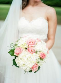 White Hydrangea and Pink Rose Bridal Bouquet | Photo: Hannah Woodard Photography |