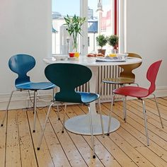 Silla apilable Ant Chair, a classic by Arne Jacobsen