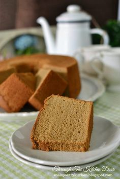 It has been quite awhile I have not bake a chiffon cake already.  If you search in the internet for chiffon cakes, there are tons of flavour...