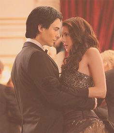 The Vampire Diaries, Damon & Elena.