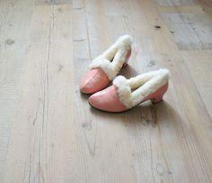Vintage slippers. 1960s fur slippers. pink leather heels