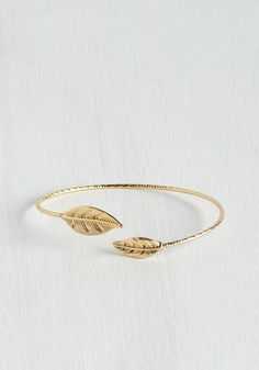Jewelry OFF! Think of Me Frond-ly Bracelet - Gold Solid Casual Daytime Party Beach/Resort Boho Rustic Festival Spring Cute Jewelry, Boho Jewelry, Bridal Jewelry, Silver Jewelry, Jewelry Accessories, Women Jewelry, Fashion Jewelry, Jewellery, Silver Earrings