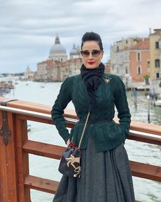 Greetings from Venice Quirky Fashion, 1940s Fashion, Vintage Fashion, Pin Up Outfits, Fashion Outfits, Travel Outfits, Casual Outfits, Women's Fashion, Burlesque