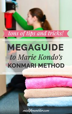 Everything you need to know about the KonMari Method for your own Marie Kondo Tidy Up project! Tons of links and videos to tell you everything you need to know. Deep Cleaning Tips, Cleaning Hacks, Konmari Method Folding, Konmari Methode, Planners, Marie Kondo, Declutter Your Home, Simple Life Hacks, Tidy Up