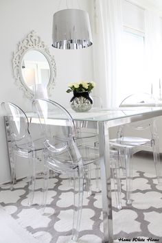 Dining space & transparent Igloo chair - Home White Home