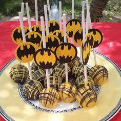 Batman cakepops