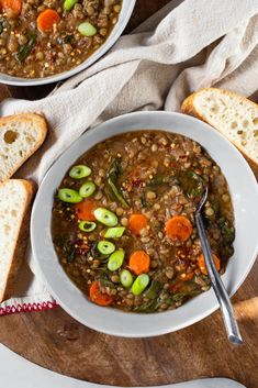 This Vegan Lentil Soup recipe is easy to make using very basic pantry staple ingredients! It is a 1 pot meal and 8 easy to find ingredients. Green Lentil Soup, Vegan Lentil Soup, Lentil Soup Recipes, Lentil Curry, Vegan Soups, Vegetarian Recipes, Dried Lentils, Garlic Pasta, Thing 1