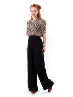1940s Side-button wide-legged trousers http://www.heydayonline.co.uk/default/womens-clothing/ladies-trousers/ladies-swing-trousers-navy-covered-buttons.html