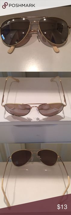Steve Madden aviators Cream colored stem, very subtle gold enshrined label on stem. Minimal wear in the form of a tiny lense scratch that does not impair vision. Steve Madden Accessories Sunglasses